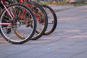 road bike wheel and tiers
